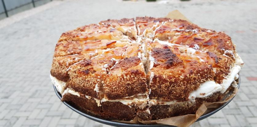 jablkový koláč s tvarohom
