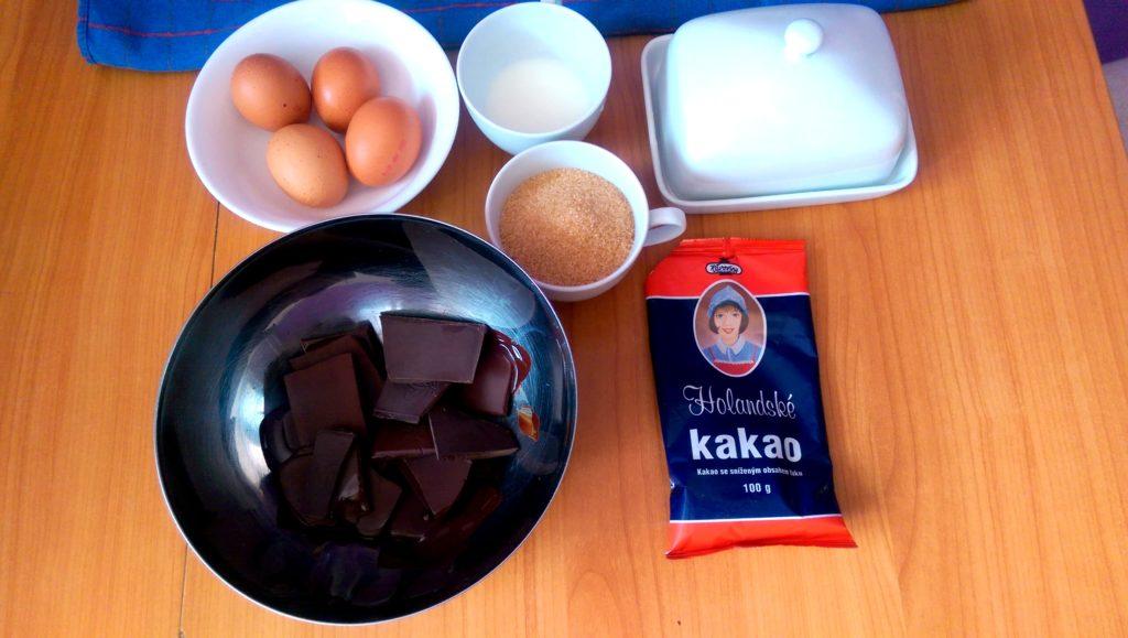 suroviny na čokoladový koláč